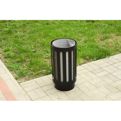 stalowy kosz na śmieci uliczny